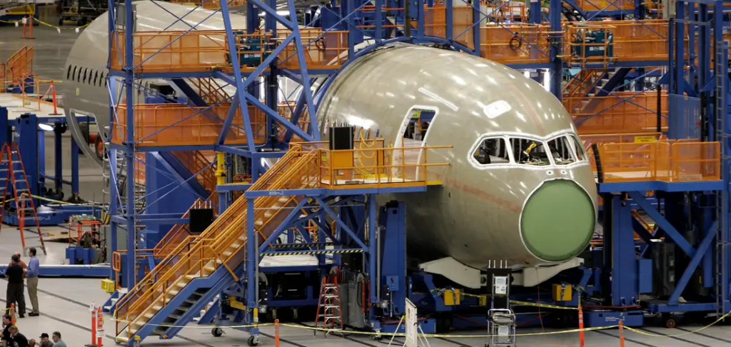 737 max in production manufacturing
