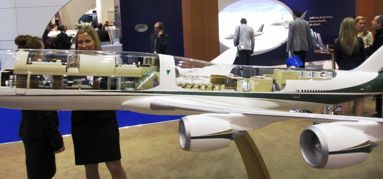 Greenpoint Display Boeing 747 8 Completions Model At Ebace