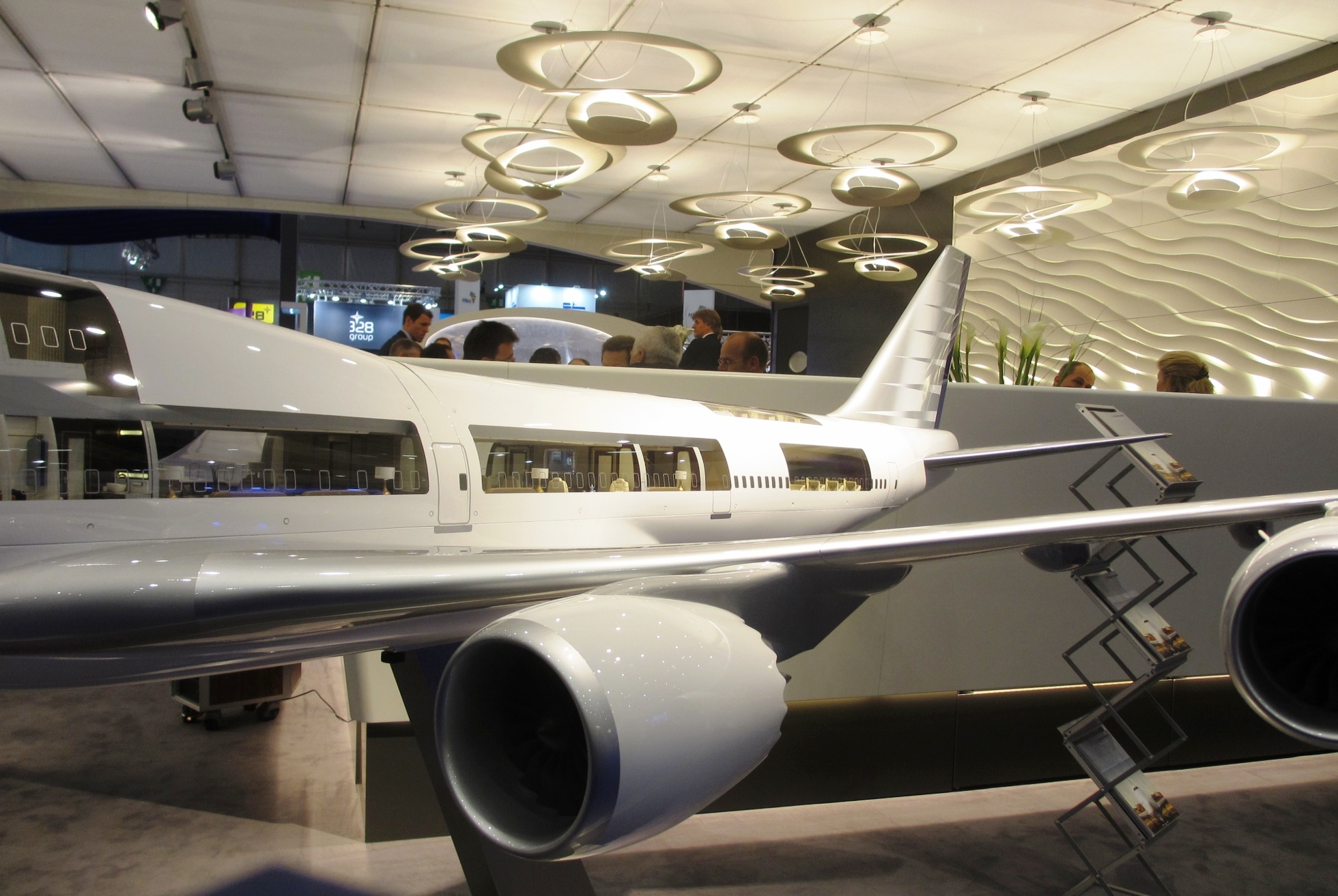 Ebace attendance up for 2014 aircraft completion news for Boeing 747 8 interieur